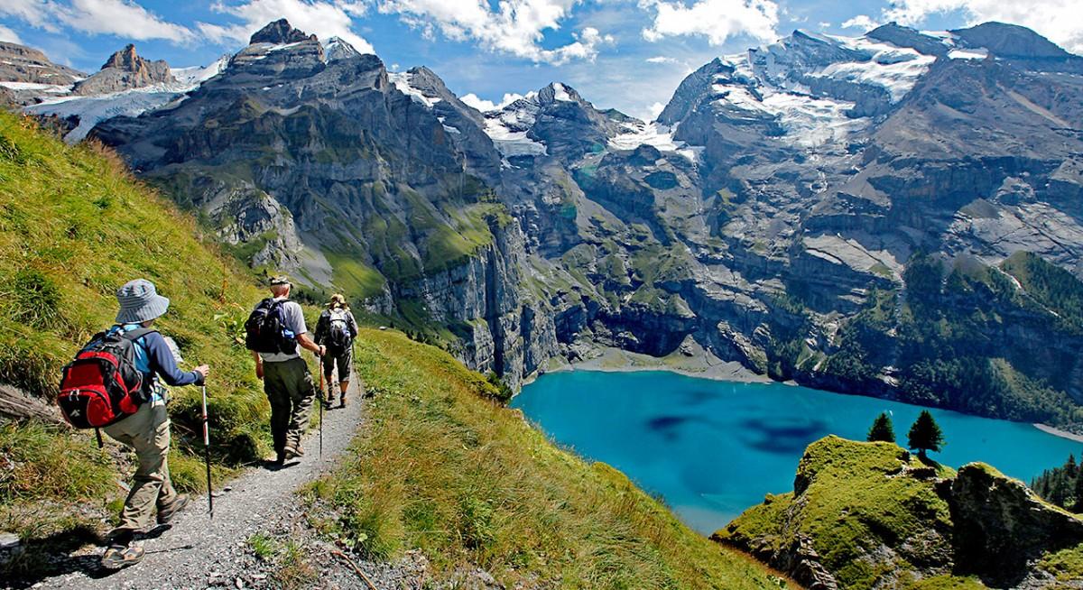1-slide-switzerland-lake-oeschinensee-trek-pano