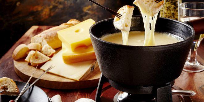 Cheese-Fondue-Switzerland_rmy5un