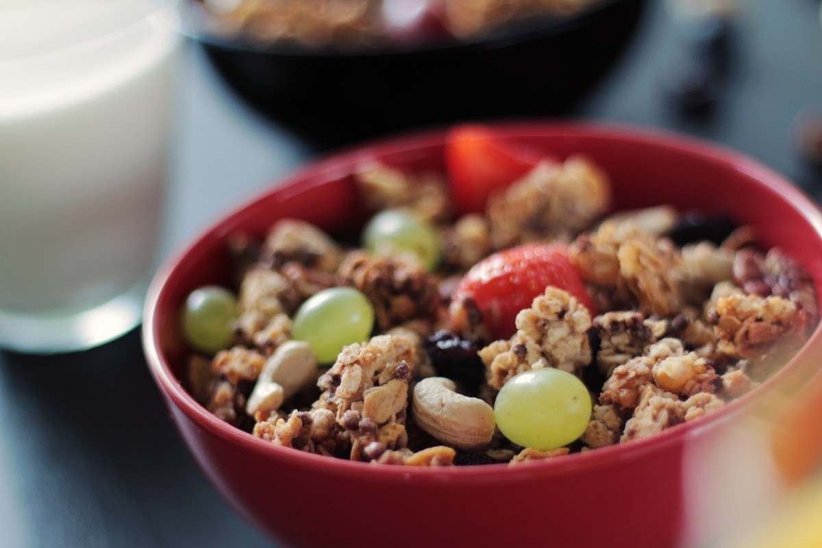 food-fruits-cereals-breakfast