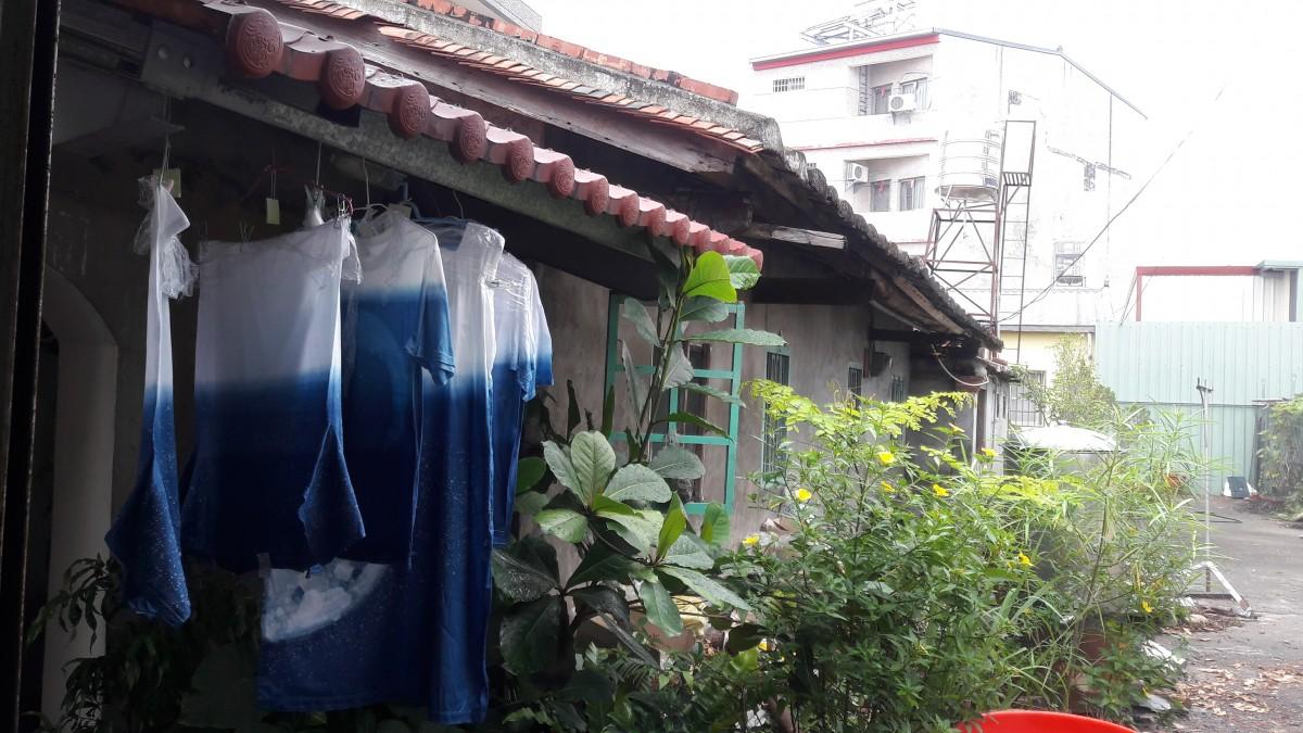 因為美濃的好山好水和人情味,林曉鳳選擇將老屋改造為藝術工作室。