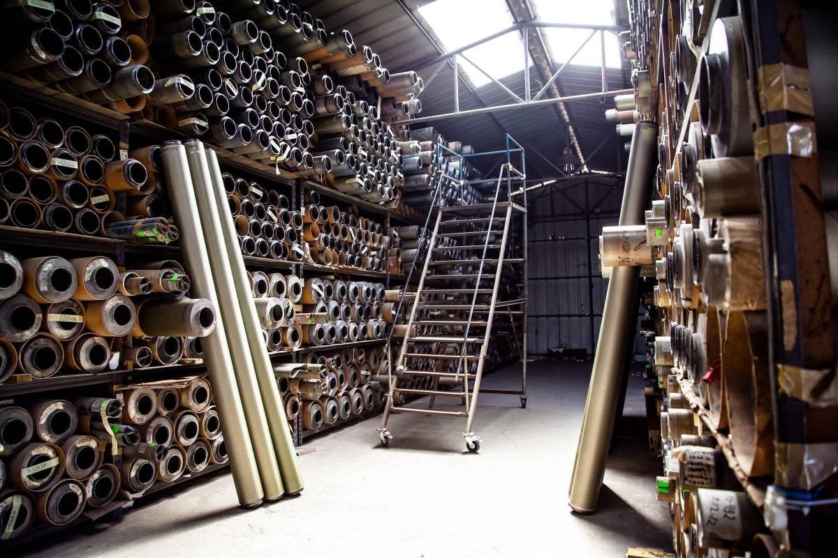 貝姬也親自到歐洲參與紡織工廠的生產線設計端