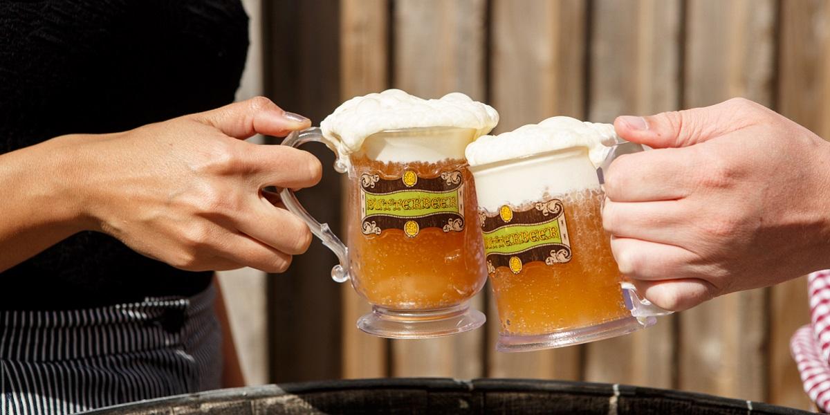 來到這怎麼能不來一杯沁涼的奶油啤酒?(圖片來源:哈利波特影城官網)