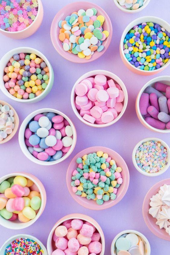 在伊斯蘭國家,每年會有為期三天的糖果節,小朋友們到處要糖果,是個歡樂的節日。(圖片來源:)