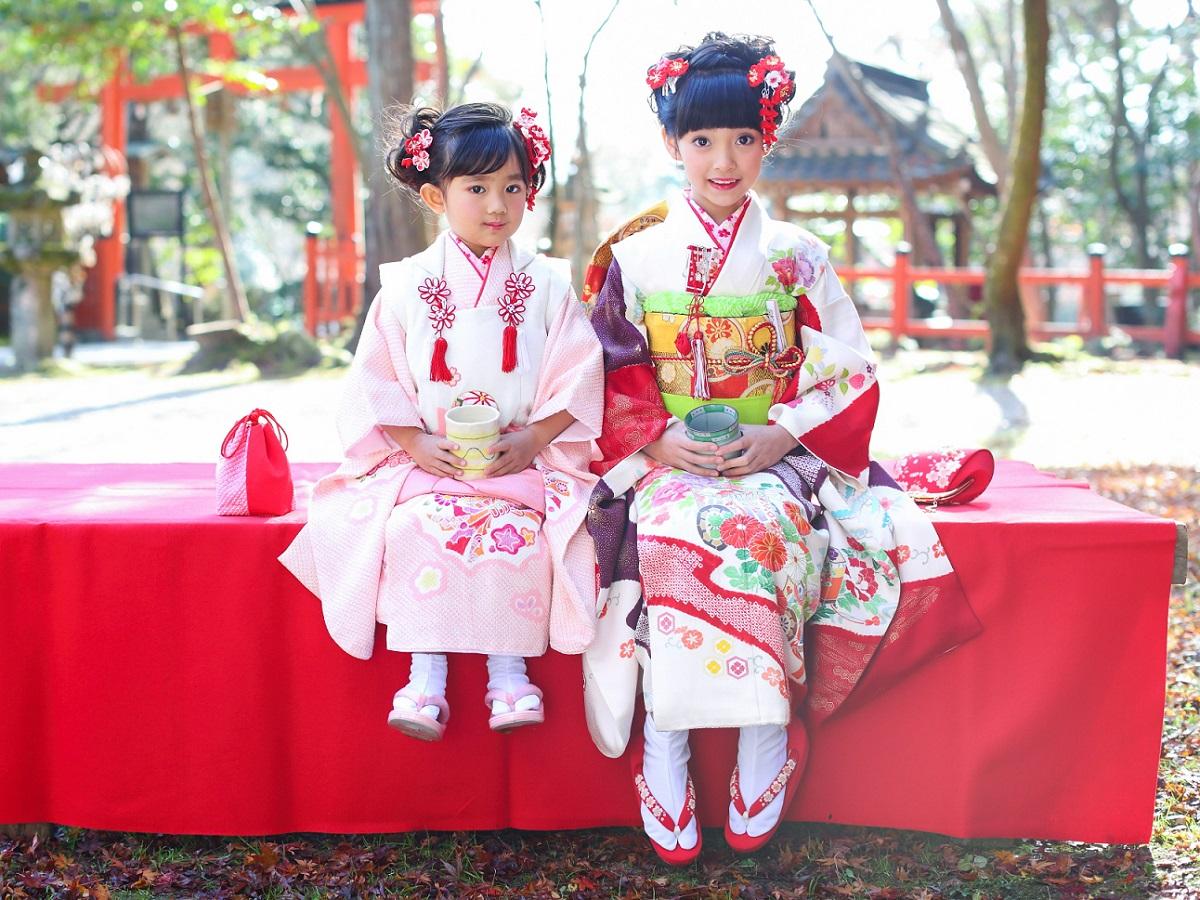 每年的 11 月 15 日是日本的「七五三節」,家家戶戶都會為孩童穿上傳統和服。( 圖片來源:flicker )