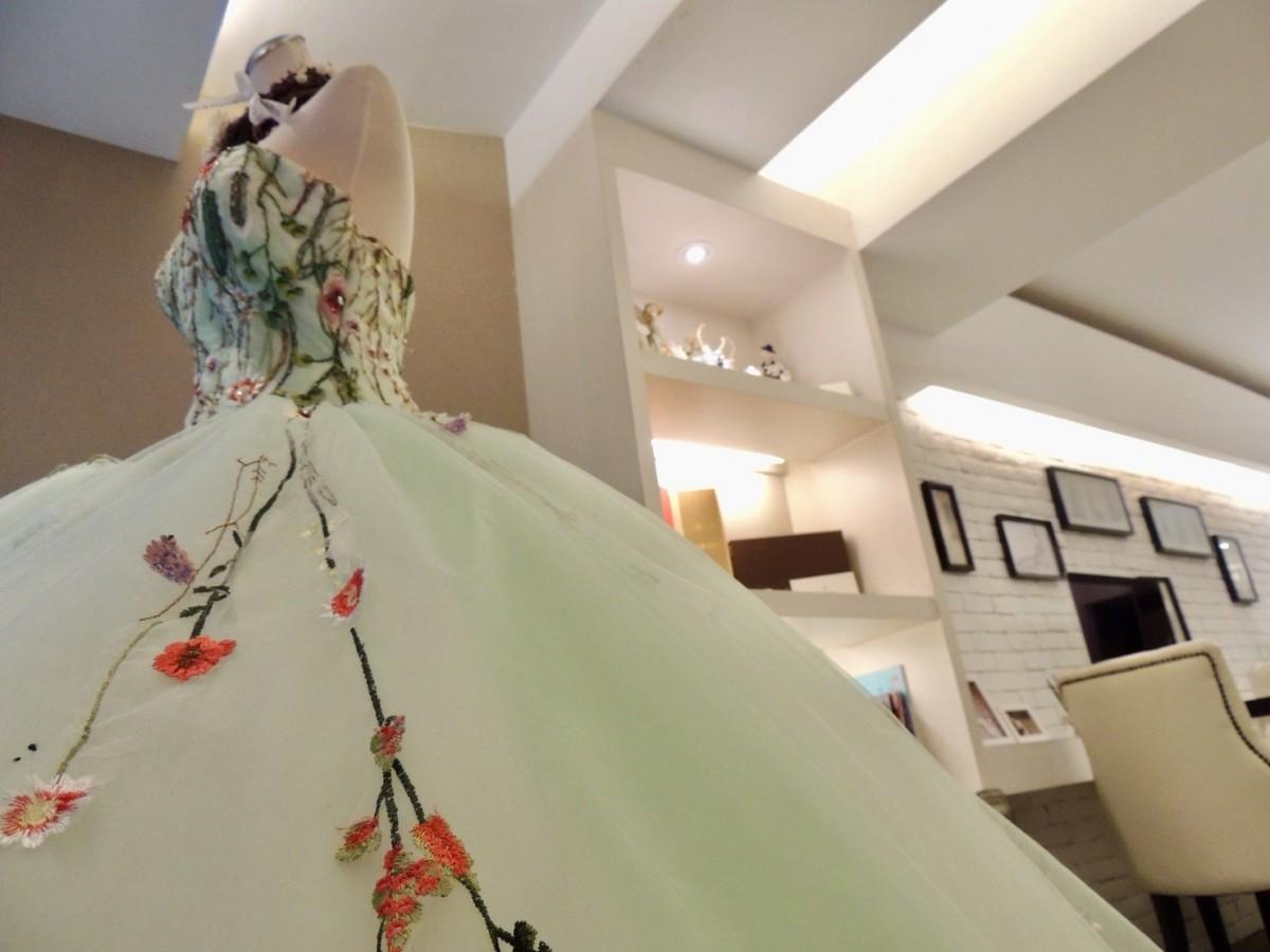陳彥錞最近迷上設計蕾絲和刺繡