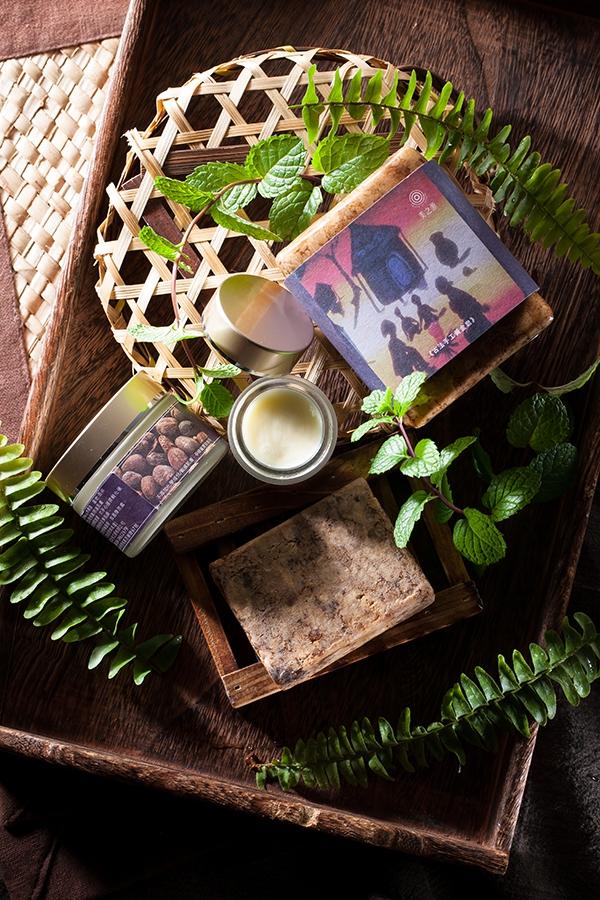 來自布吉納法索的乳木果精粹,搭配黃金皂,幫你終結肌膚問題!(圖片來源:美之源提供)