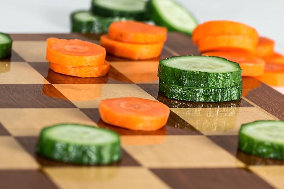 紅蘿蔔和小黃瓜是更爲健康的選擇(圖片來源:stevepb@Pixabay)