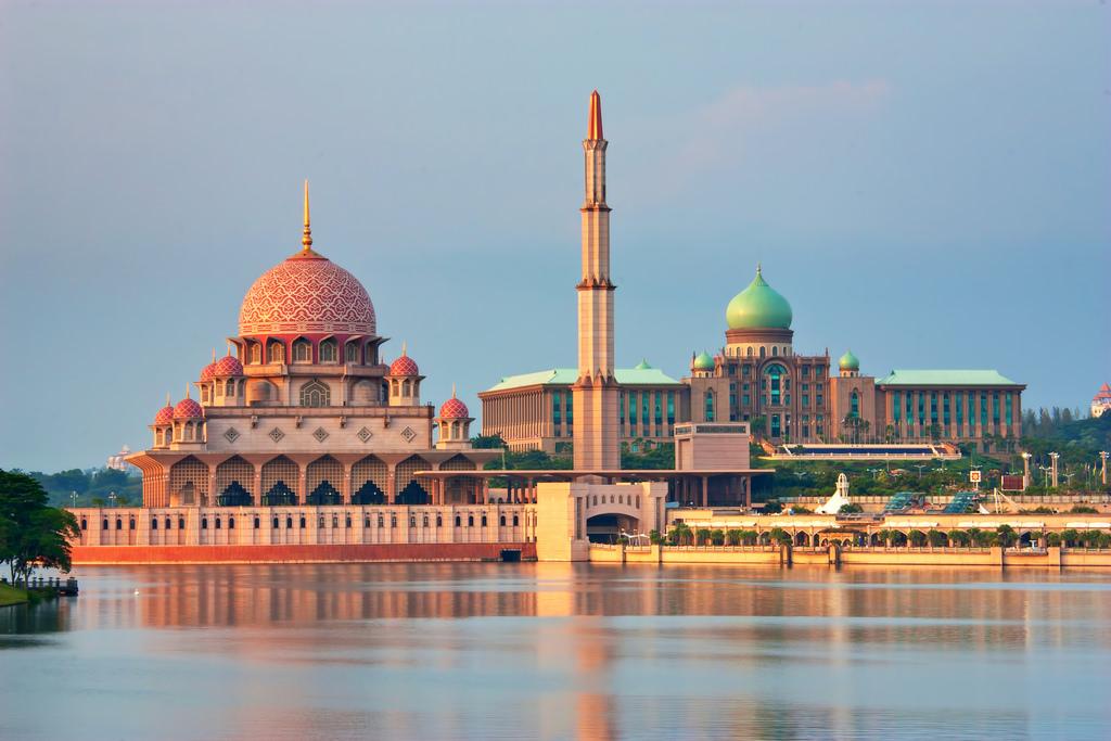 Masjid Putra.jpg