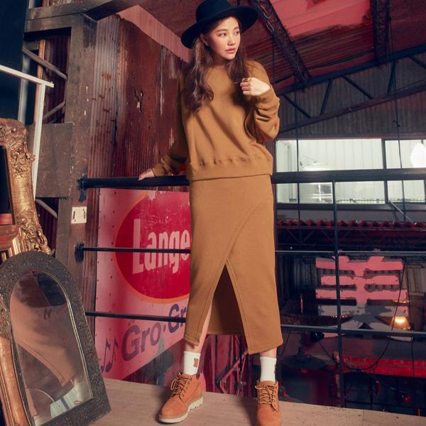 所設計的品牌 LURE HSU,主打歐美率性兼具性感時尚的風格,深受輕熟女們的喜愛。