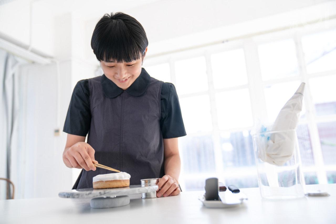 茹素後製作純素甜品。別人會誤會素只限於齋菜,但都有好多菜式有純素版本,她希望自己的作品,可令不吃素的人會喜歡素食。