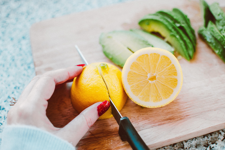 blur-chopping-board-citrus-fruit-1843245