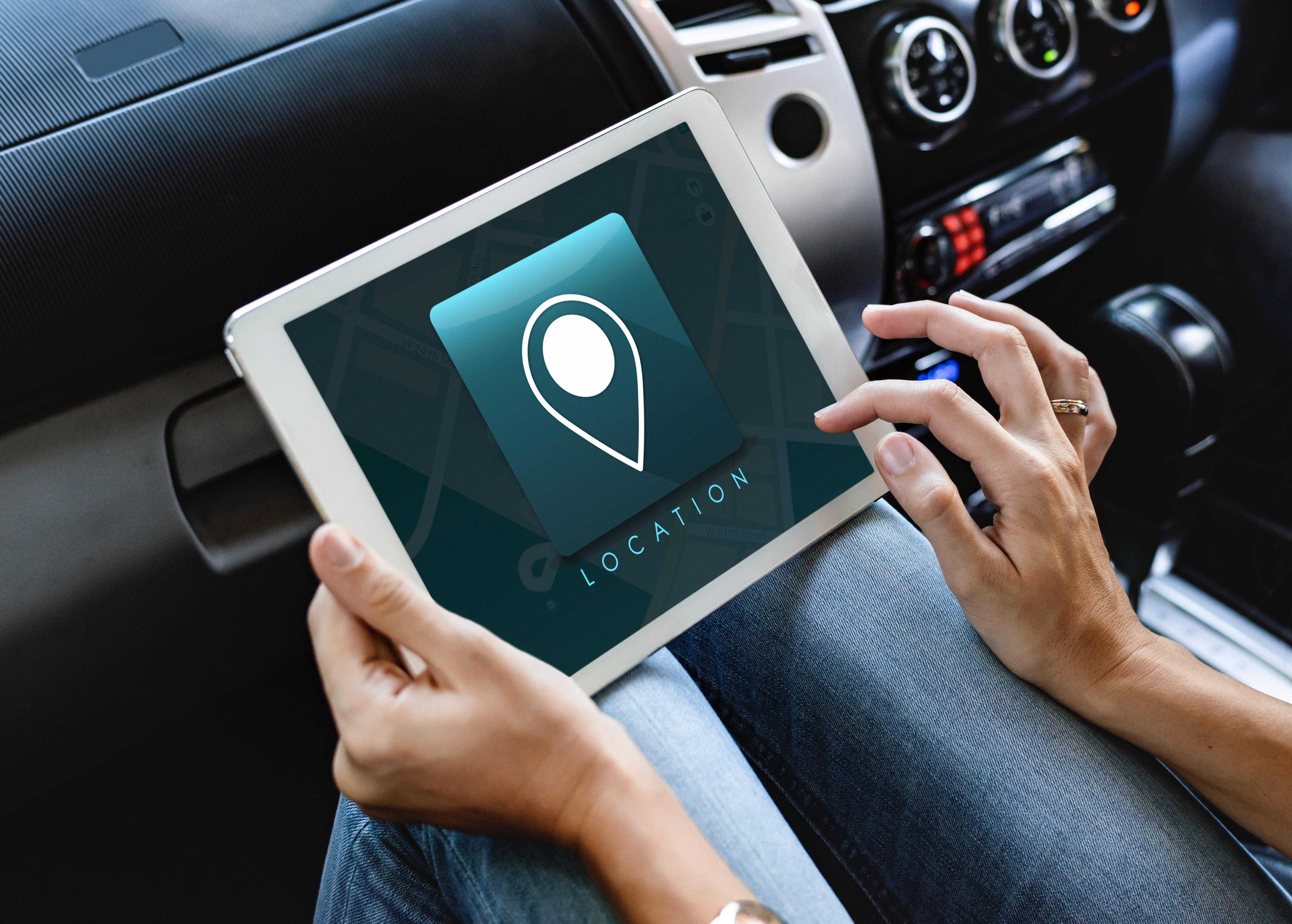 car-connection-dashboard-1305305