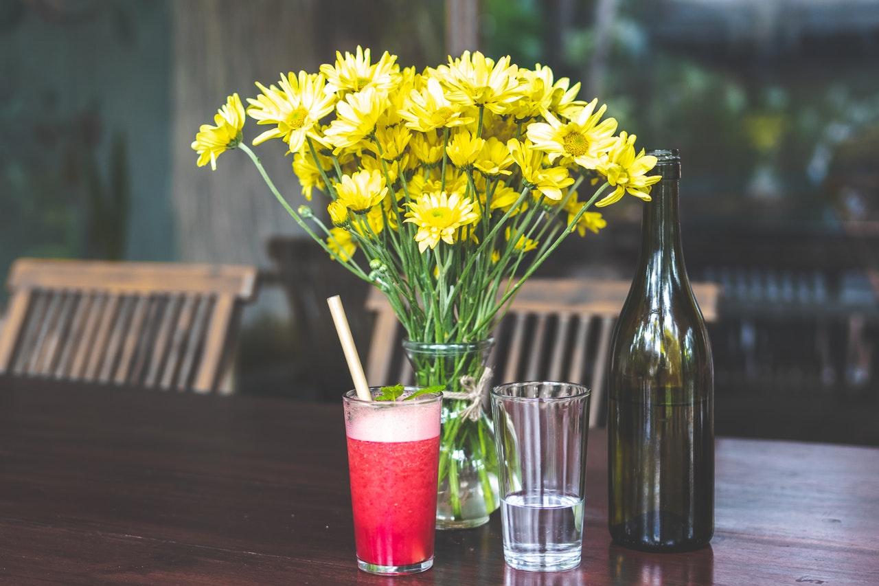 alcohol-beverage-blurred-background-1480543