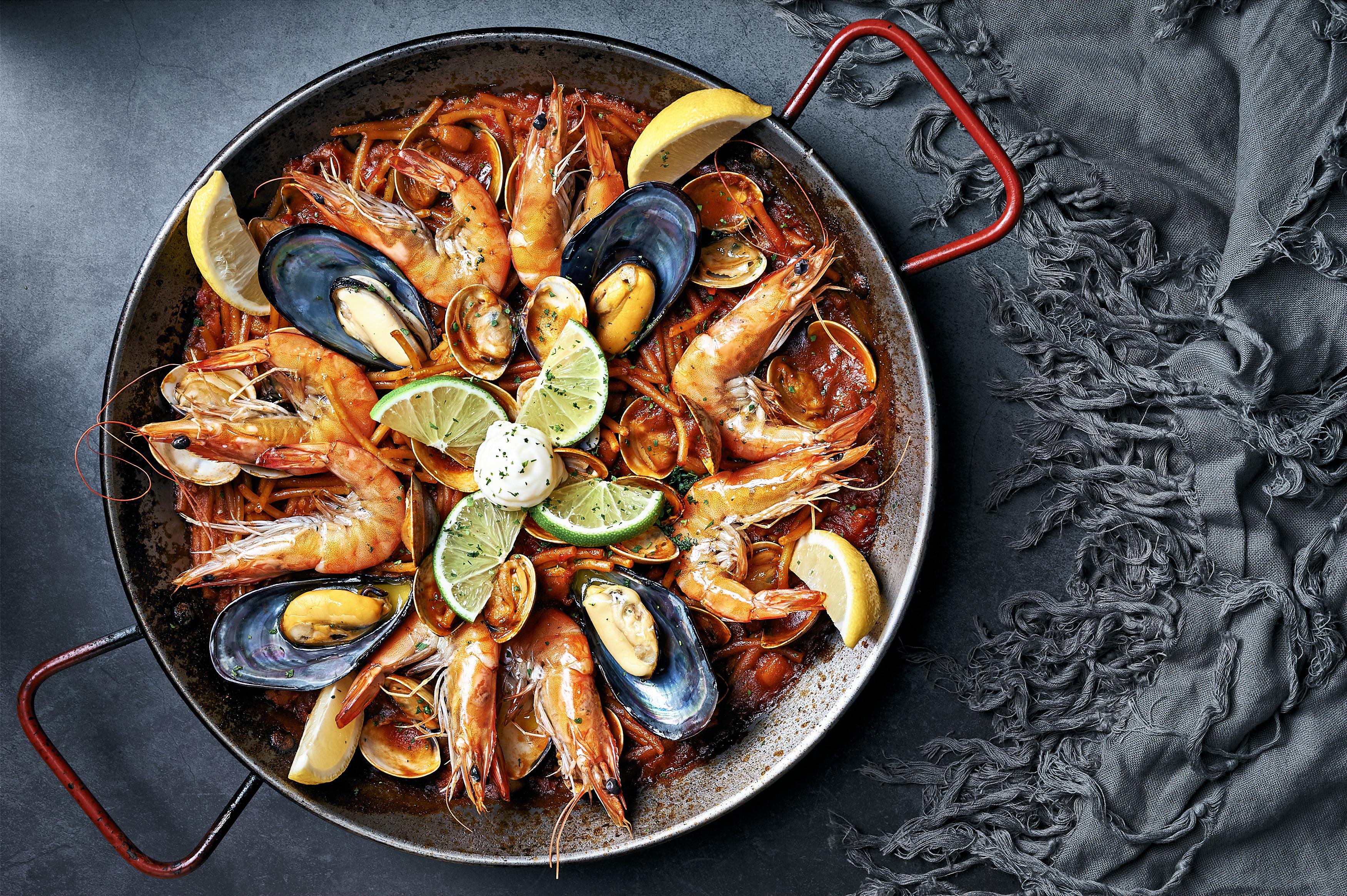Seafood Fideuà海鮮鐵鍋麵,NT$880(2人)NT$1250(4人)NT$1,500(6人)