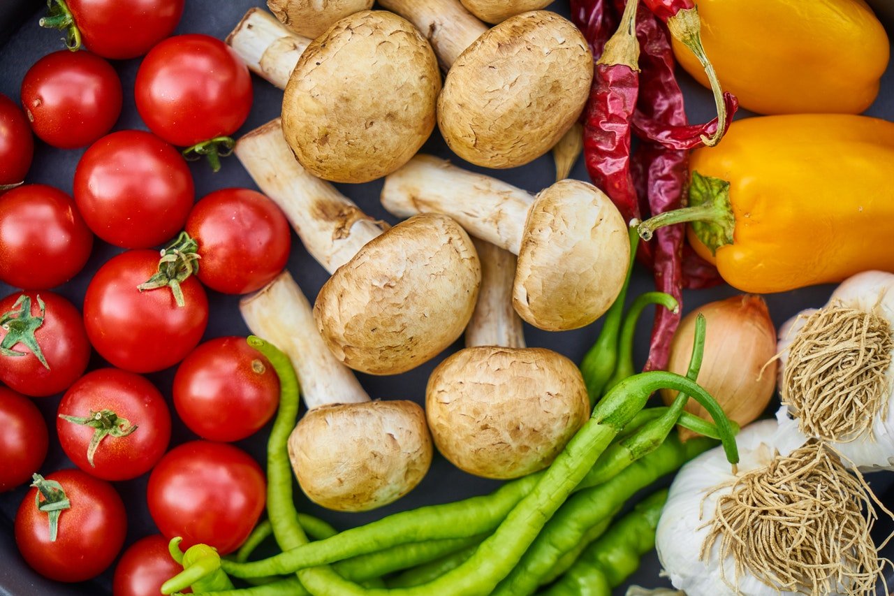 flat-lay-photography-of-variety-of-vegetables-1435904