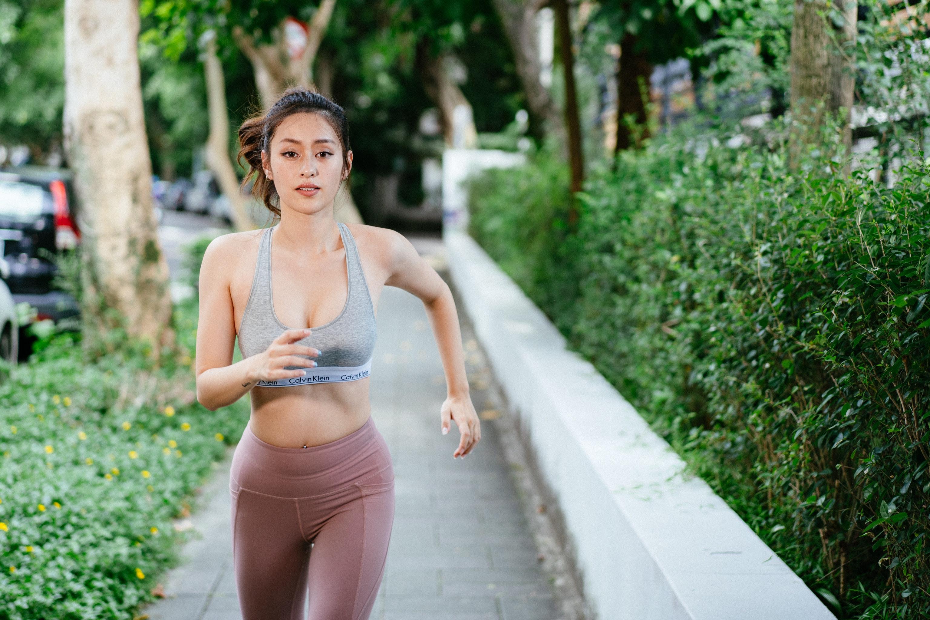 photo-of-woman-running-2824020