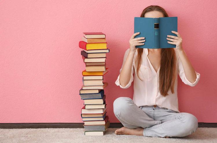 安排些線上進修課程、看幾本專業書籍,提升自己的軟、硬實力,衝高自我能力與價值。