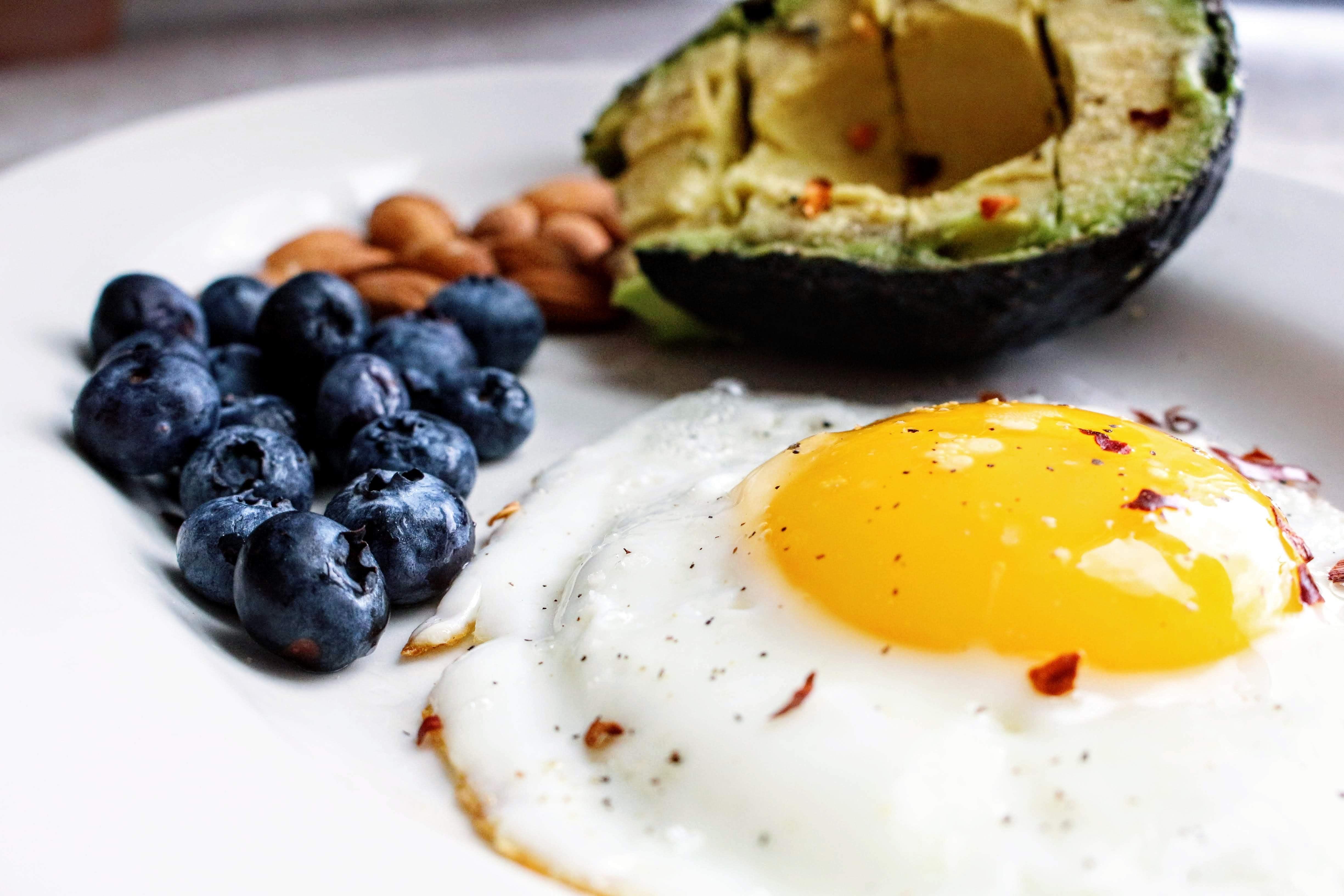 egg-near-blueberries-1305063