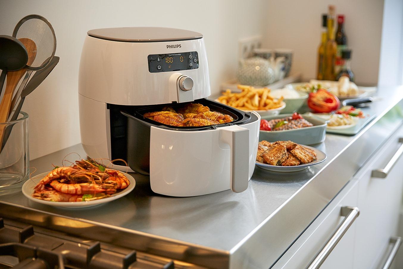 自煮防疫的好幫手:盤點水波爐、氣炸鍋、麵包機等新型廚房小家電優缺點,你家也需要一台嗎?